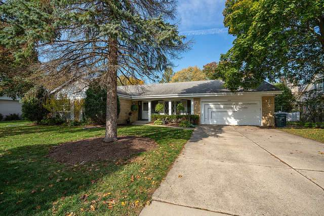 2620 Shannon Road, Northbrook, IL 60062 (MLS #10854698) :: The Spaniak Team