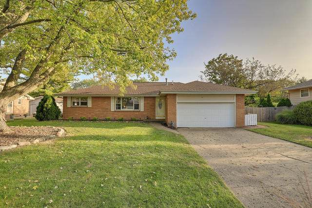 2407 John Drive, Urbana, IL 61802 (MLS #10854746) :: Littlefield Group