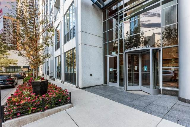201 N Westshore Drive #105, Chicago, IL 60601 (MLS #10855243) :: Jacqui Miller Homes