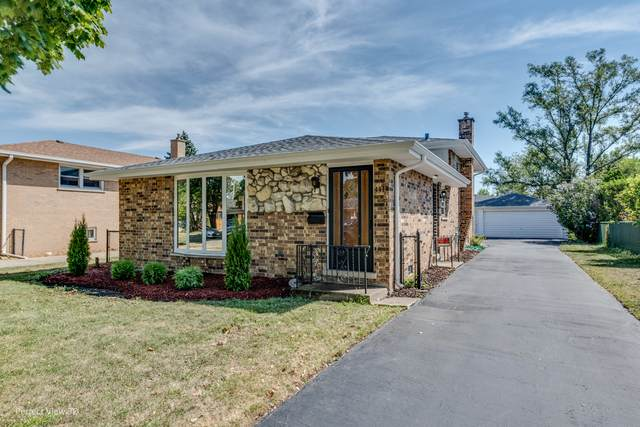 4439 Raymond Avenue, Brookfield, IL 60513 (MLS #10855344) :: Angela Walker Homes Real Estate Group