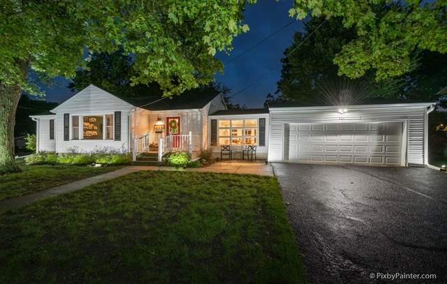 324 W Crystal Lake Avenue, Crystal Lake, IL 60014 (MLS #10857012) :: Lewke Partners