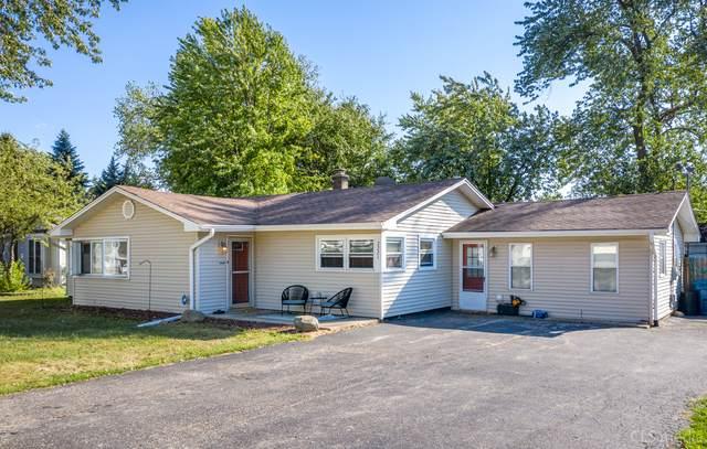 2221 Lynwood Street, Crest Hill, IL 60403 (MLS #10857140) :: John Lyons Real Estate