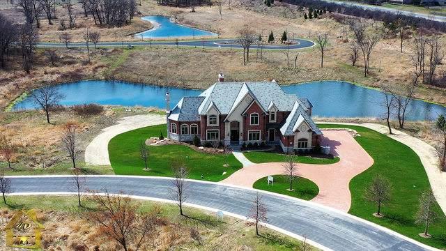 2 Templeton Drive, Oak Brook, IL 60523 (MLS #10857805) :: Angela Walker Homes Real Estate Group