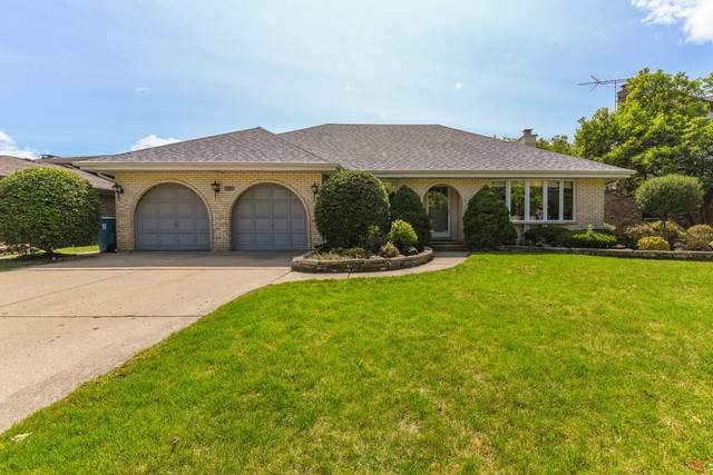 1009 W Surrey Road, Addison, IL 60101 (MLS #10858180) :: Touchstone Group