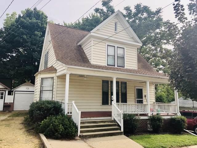 214 W 3rd Street, Dixon, IL 61021 (MLS #10858922) :: Littlefield Group