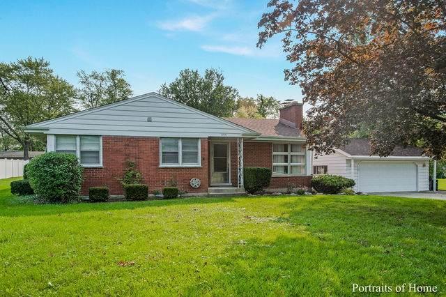1401 S Monterey Avenue, Villa Park, IL 60181 (MLS #10860691) :: Angela Walker Homes Real Estate Group