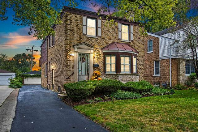 9623 S Central Park Avenue, Evergreen Park, IL 60805 (MLS #10860696) :: John Lyons Real Estate