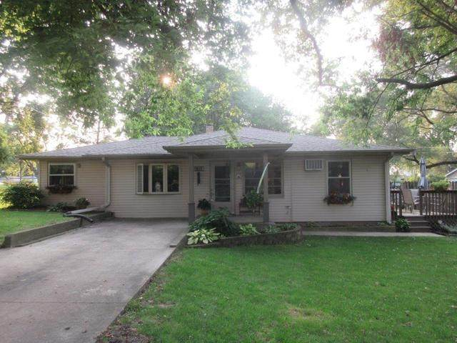 1004 Lenore Street, Rock Falls, IL 61071 (MLS #10861257) :: Property Consultants Realty