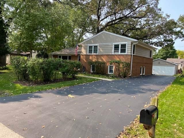 922 Ridgeland Avenue, Mundelein, IL 60060 (MLS #10861620) :: John Lyons Real Estate
