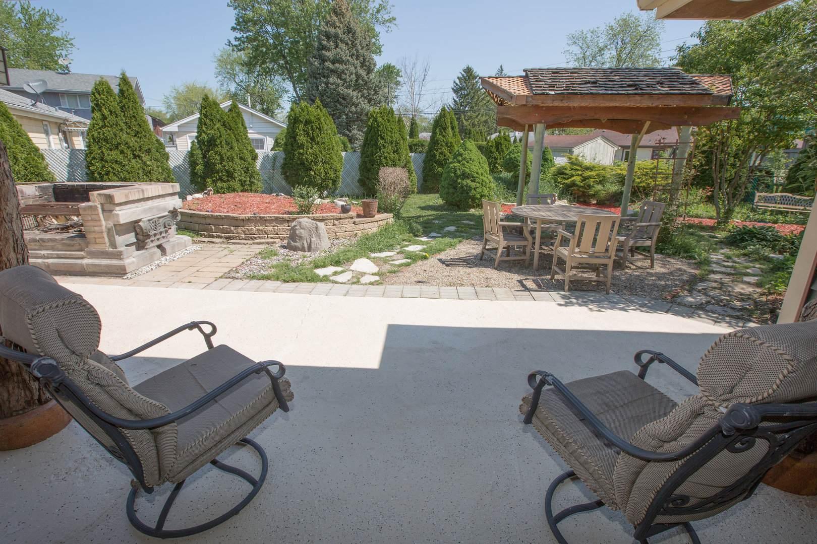 11649 S Natchez Avenue, Worth, IL 60482 (MLS #10862090) :: John Lyons Real Estate