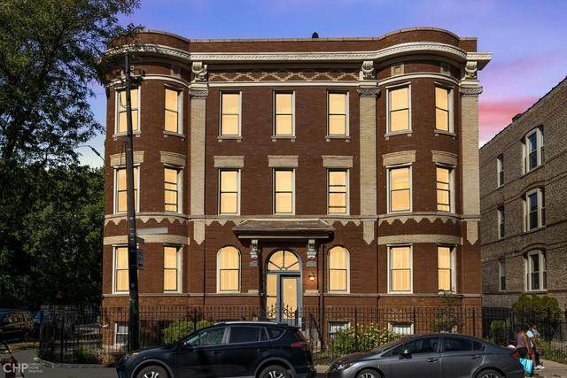 2734 N Kimball Avenue #1, Chicago, IL 60647 (MLS #10862195) :: Angela Walker Homes Real Estate Group