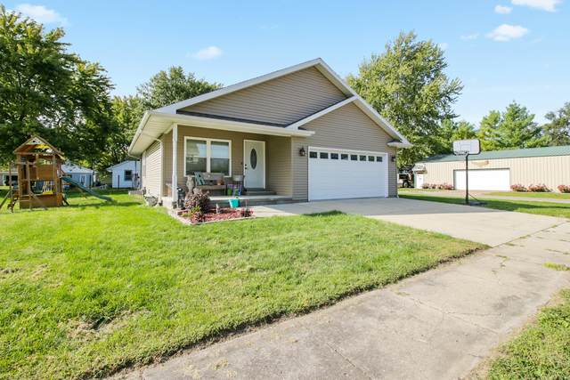 209 W Washington Street, Fithian, IL 61844 (MLS #10862503) :: John Lyons Real Estate