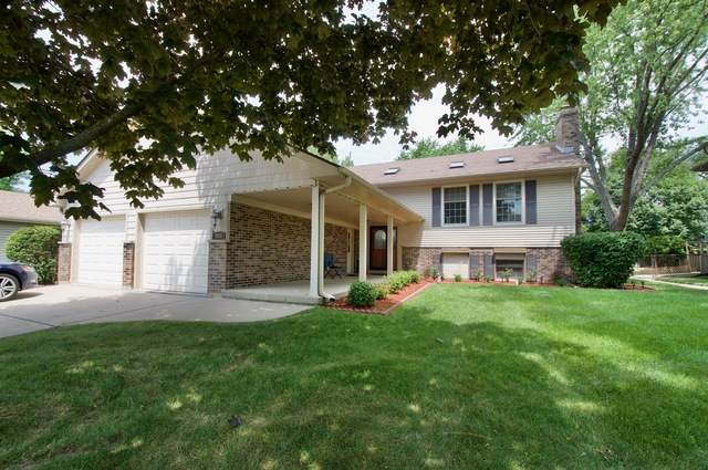 2410 Lakeside Drive, Aurora, IL 60504 (MLS #10863715) :: John Lyons Real Estate