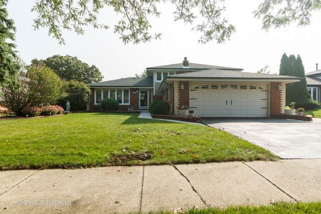 7637 W 105 Street, Palos Hills, IL 60465 (MLS #10863937) :: Jacqui Miller Homes