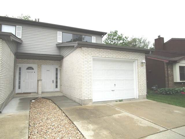 324 Brookdale Drive C, Bloomingdale, IL 60108 (MLS #10870784) :: John Lyons Real Estate