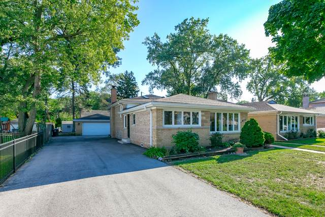 3917 W Jarvis Avenue, Lincolnwood, IL 60712 (MLS #10872996) :: John Lyons Real Estate
