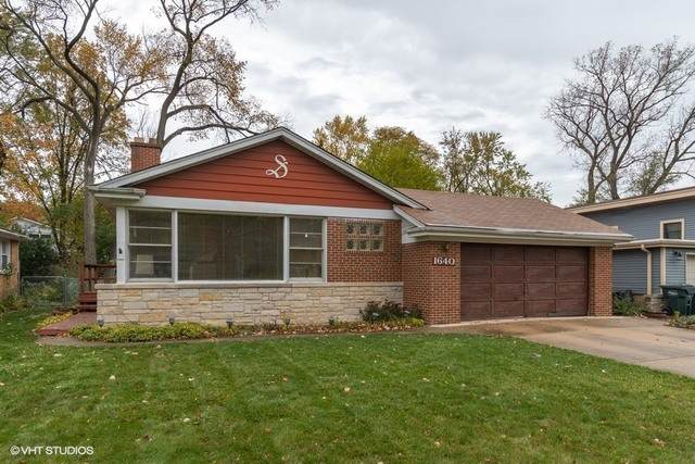 1640 Ferndale Avenue, Northbrook, IL 60062 (MLS #10878083) :: Helen Oliveri Real Estate