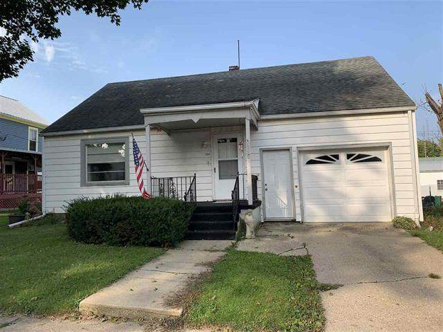 208 Main Street, Leaf River, IL 61047 (MLS #10878599) :: Property Consultants Realty