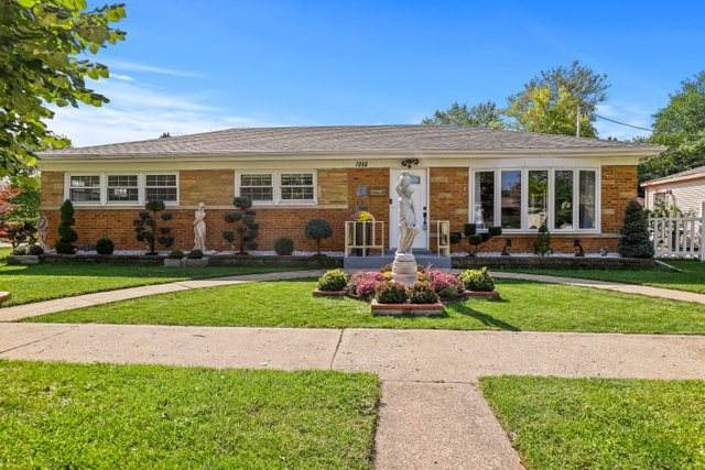 7356 N Kolmar Avenue, Lincolnwood, IL 60712 (MLS #10878664) :: Littlefield Group