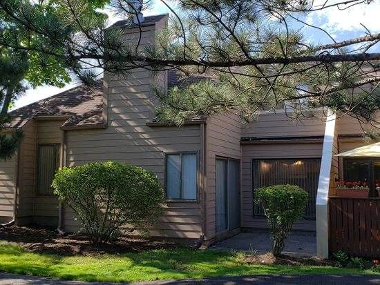 3349 Beacon Street #39, North Chicago, IL 60064 (MLS #10878970) :: John Lyons Real Estate
