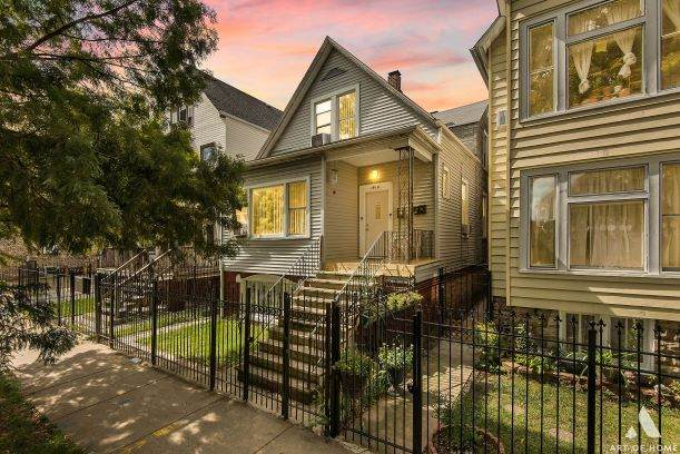1918 N Lawndale Avenue, Chicago, IL 60647 (MLS #10879121) :: Property Consultants Realty