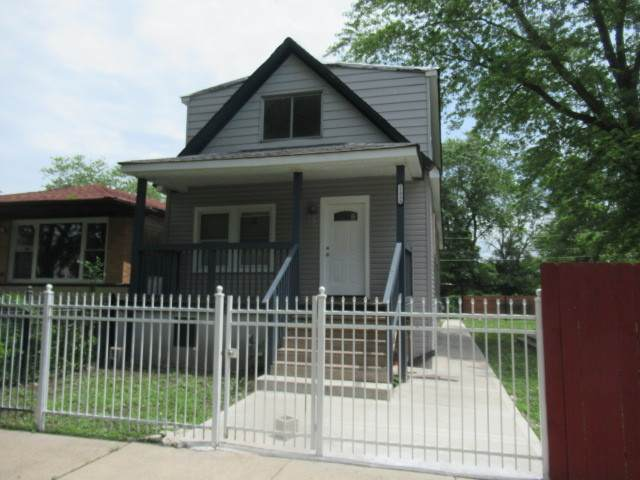 11939 S Calumet Avenue, Chicago, IL 60628 (MLS #10879131) :: John Lyons Real Estate