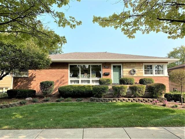 5540 Oak Center Drive, Oak Lawn, IL 60453 (MLS #10879976) :: John Lyons Real Estate