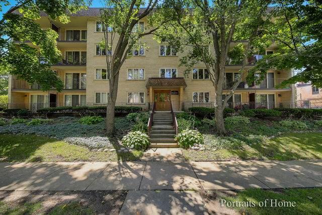 225 E Wing Street #401, Arlington Heights, IL 60004 (MLS #10880652) :: Helen Oliveri Real Estate