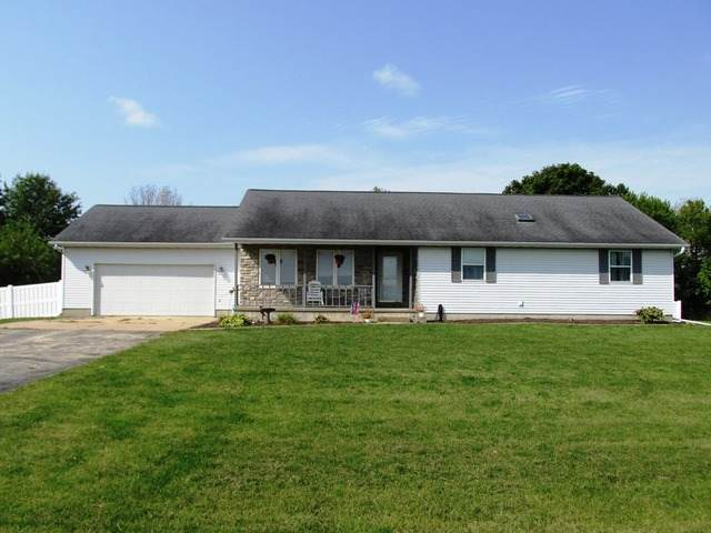 10697 Hoover Road, Rock Falls, IL 61071 (MLS #10882086) :: Property Consultants Realty