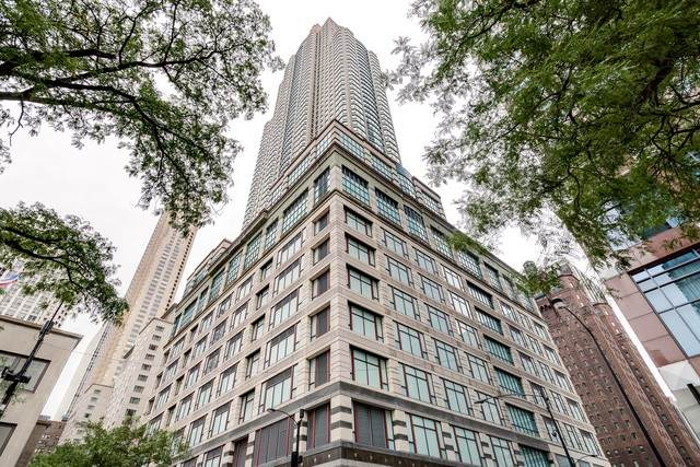 100 E Huron Street #3804, Chicago, IL 60611 (MLS #10882192) :: Helen Oliveri Real Estate