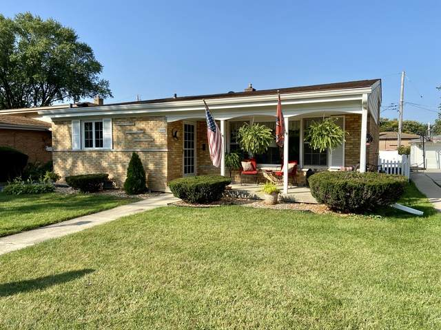 10408 S Kolin Avenue, Oak Lawn, IL 60453 (MLS #10882232) :: Helen Oliveri Real Estate