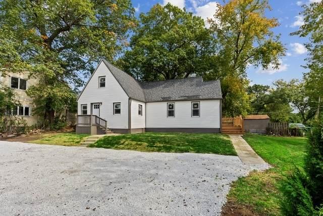 33715 N Lake Shore Drive, Grayslake, IL 60030 (MLS #10882395) :: John Lyons Real Estate