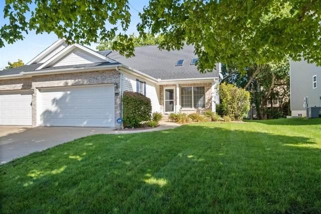 18 Lone Oak Court, Bloomington, IL 61705 (MLS #10882832) :: John Lyons Real Estate
