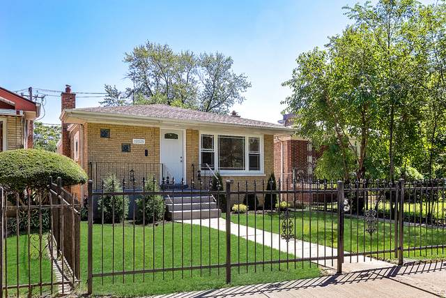 10521 S Cottage Grove Avenue, Chicago, IL 60628 (MLS #10883049) :: Littlefield Group