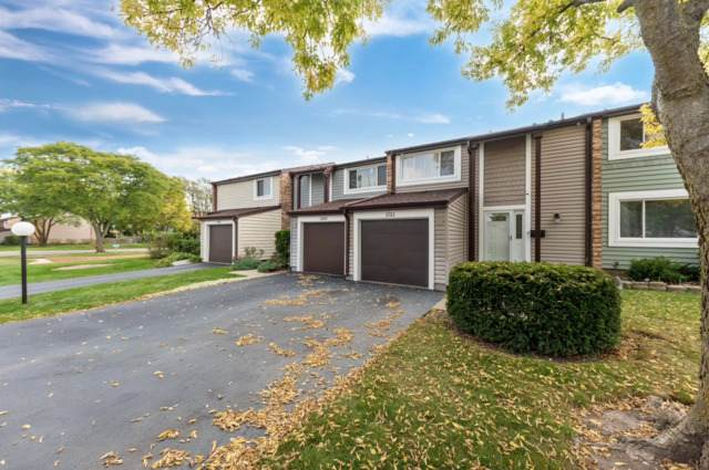 1511 Clearwater Lane, Wheeling, IL 60090 (MLS #10883143) :: Helen Oliveri Real Estate