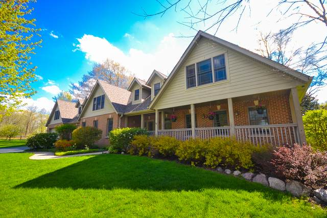 15223 W Pinewood Lane, Libertyville, IL 60048 (MLS #10883775) :: Property Consultants Realty
