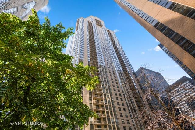 222 N Columbus Drive #4402, Chicago, IL 60601 (MLS #10884290) :: Littlefield Group
