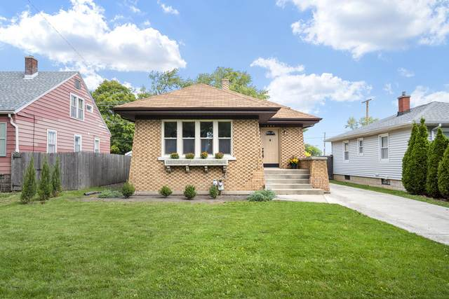 1305 Kenmore Avenue, Joliet, IL 60435 (MLS #10884878) :: John Lyons Real Estate