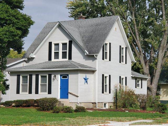 411 S 4th Street, Oregon, IL 61061 (MLS #10885157) :: Property Consultants Realty