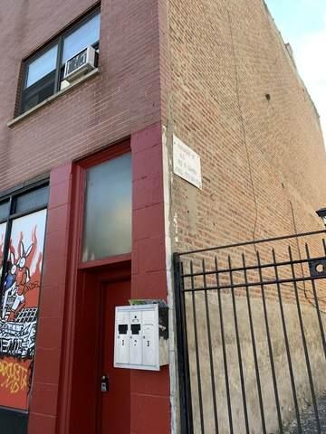 952 Damen Avenue - Photo 1