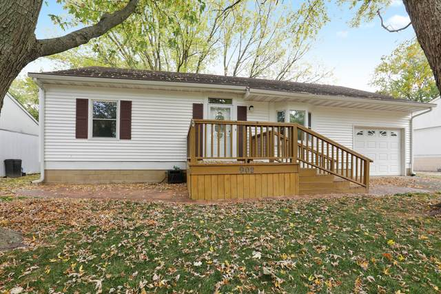 902 Oakcrest Drive, Champaign, IL 61821 (MLS #10887131) :: Helen Oliveri Real Estate