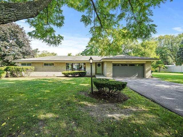 22W344 Hillcrest Terrace, Medinah, IL 60157 (MLS #10887852) :: Lewke Partners