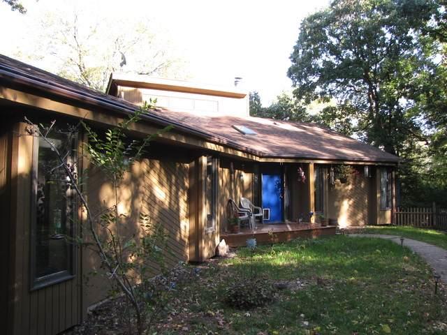 6810 Woodcrest Parkway, Rockford, IL 61109 (MLS #10888530) :: John Lyons Real Estate