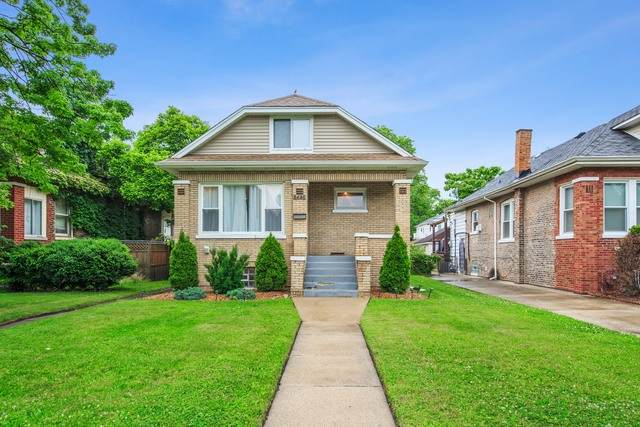 8448 S Saint Lawrence Avenue, Chicago, IL 60619 (MLS #10888670) :: John Lyons Real Estate