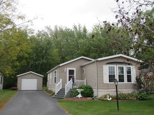 865 Cayuga Trail - Photo 1