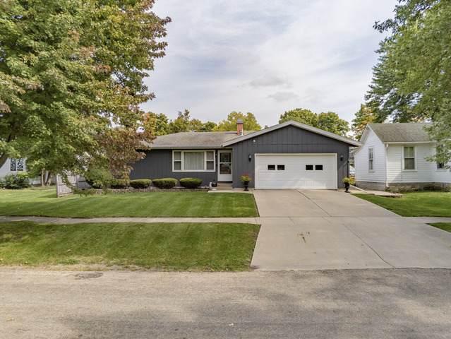 332 S Elm Street, Franklin Grove, IL 61031 (MLS #10889193) :: Lewke Partners