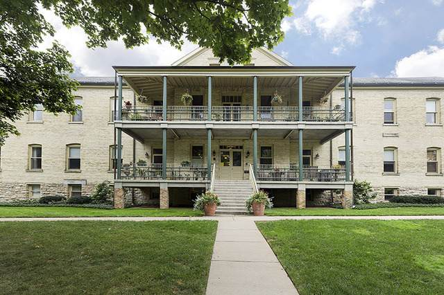 94 Leonard Wood South #203, Highland Park, IL 60035 (MLS #10890242) :: Helen Oliveri Real Estate