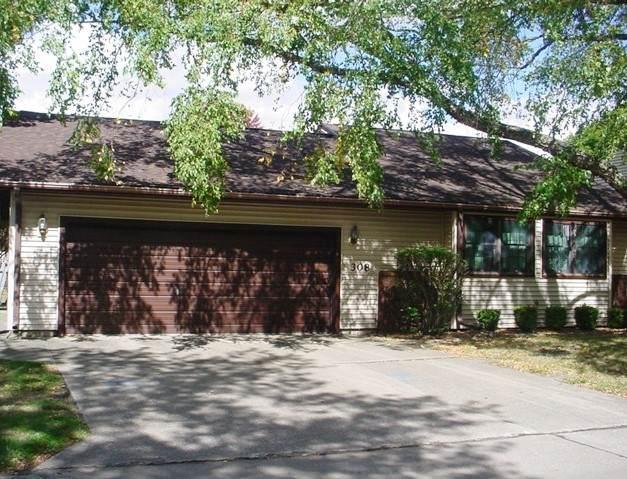 308 Spring Circle #208, Urbana, IL 61802 (MLS #10890265) :: Helen Oliveri Real Estate
