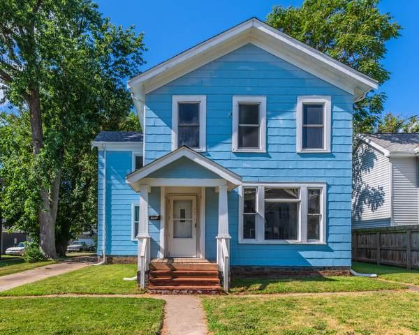 907 W Washington Street, Bloomington, IL 61701 (MLS #10891060) :: Helen Oliveri Real Estate