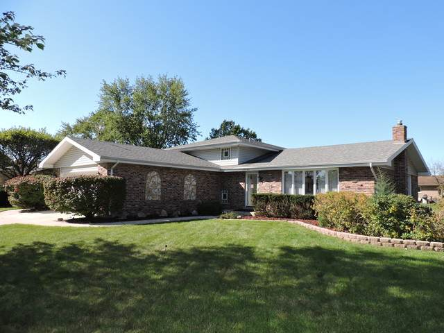 15342 Edgewood Drive, Orland Park, IL 60462 (MLS #10892911) :: Suburban Life Realty